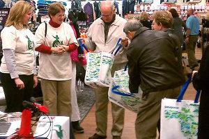 Customers Receiving Patagonia Bag